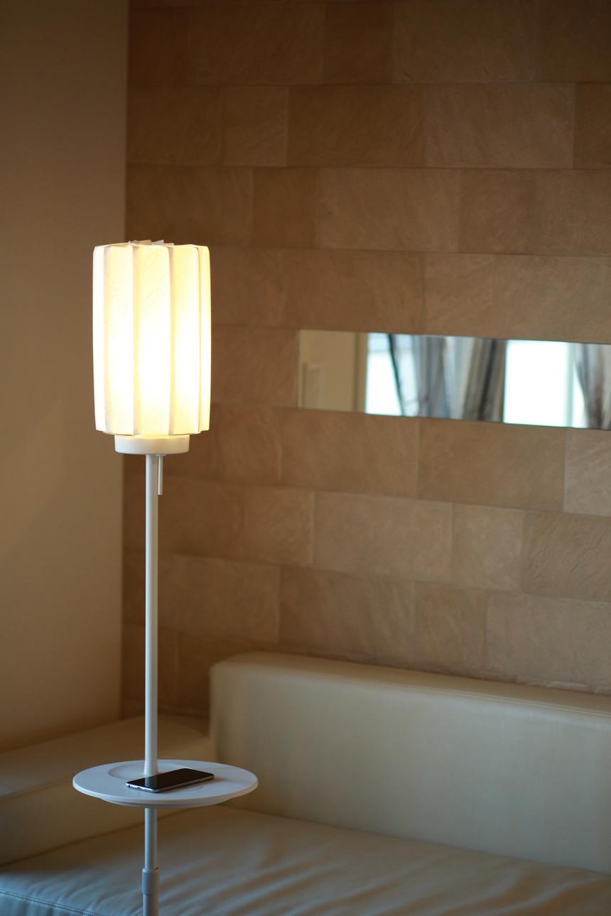 京都表具組合が制作したランプシェード『折灯華』の施工事例でございます。